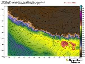 Forecast precipitable water and wind streamlines